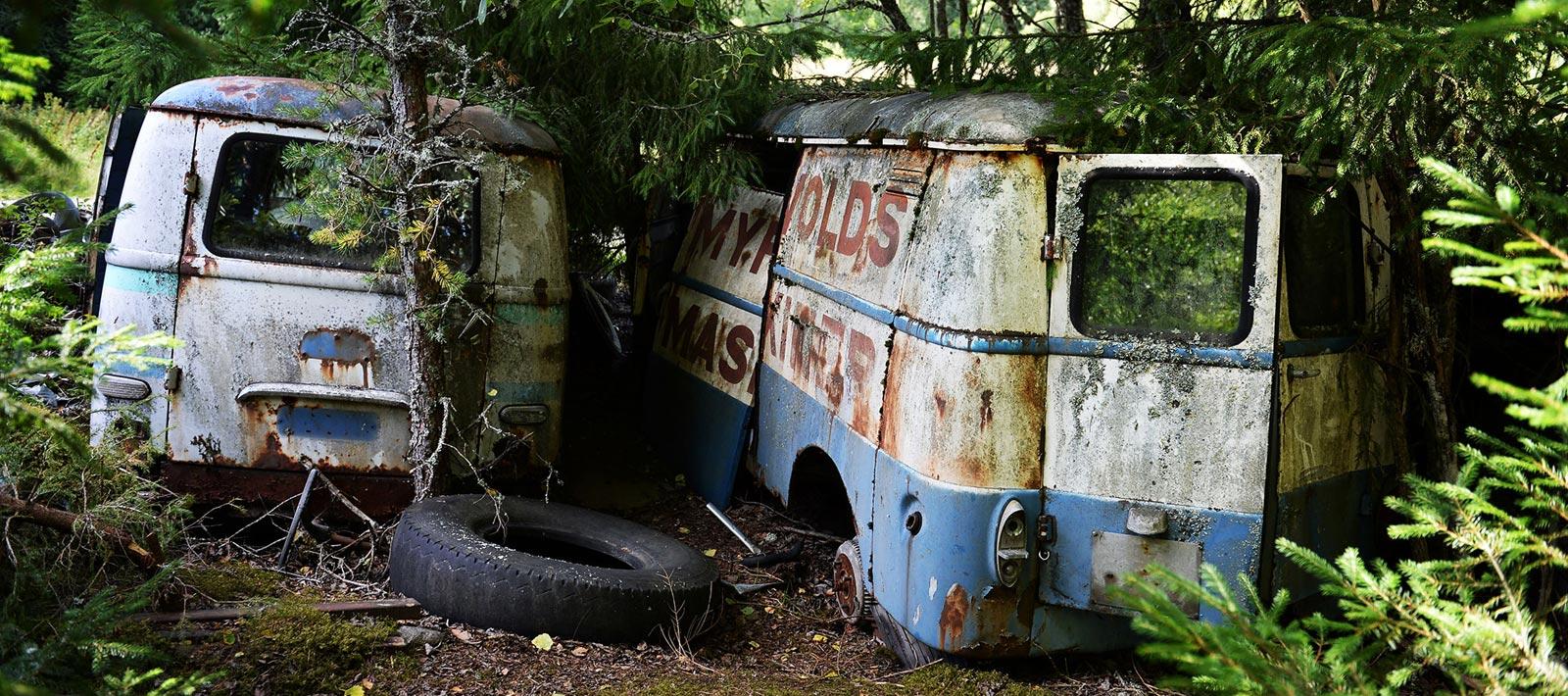 Enomis Fotografi - Rostig bil 2 - Toppbild
