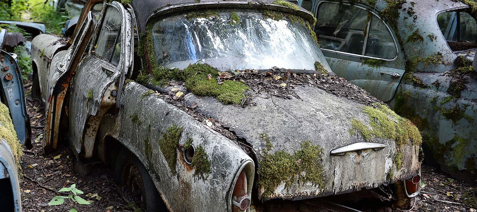 Enomis Fotografi - Rostig bil - Toppbild